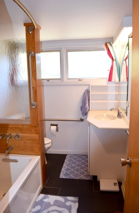 Cape Cod Vacation House Marble Bath