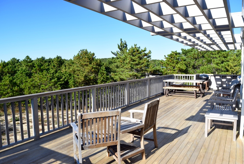 Cape Cod Vacation House Outdoor Deck with Beach View